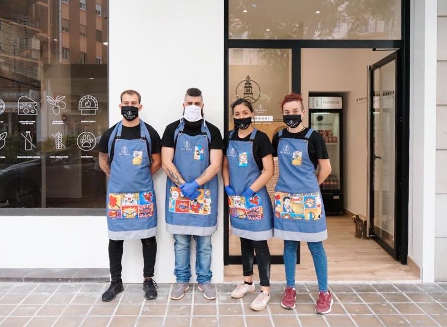 La pizza 'de caràcter valencià' de Del Poble Pizzería aterriza en Castellón de la Plana con éxito de acogida